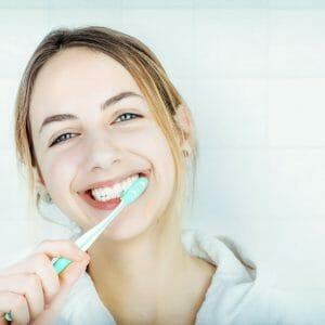 correcta higiene bucal